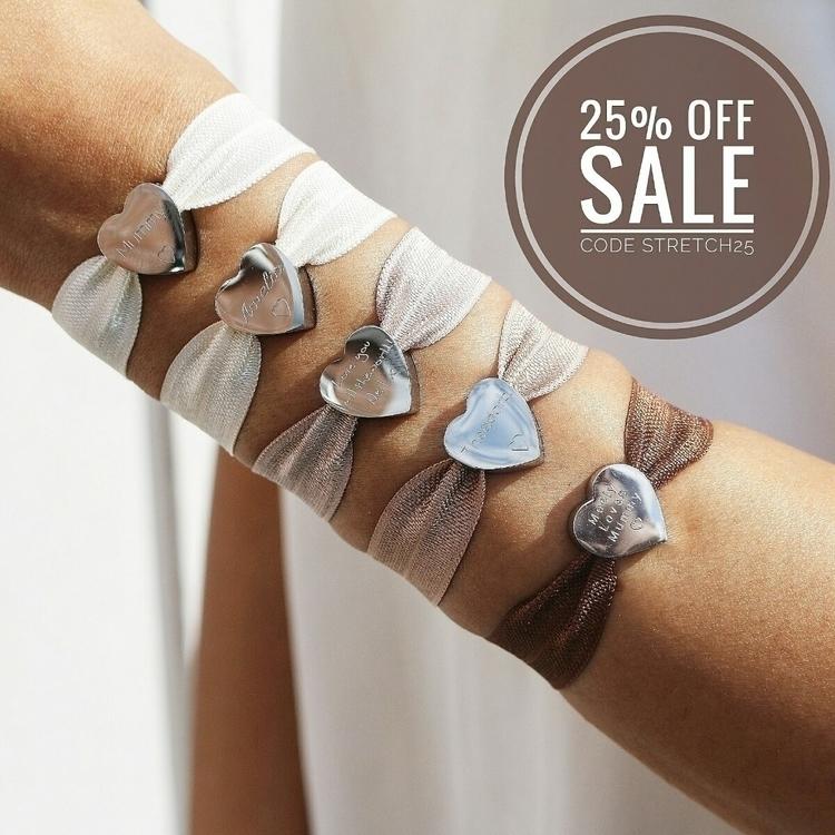 25% Sale ends :heart:️ - hollyharrison | ello