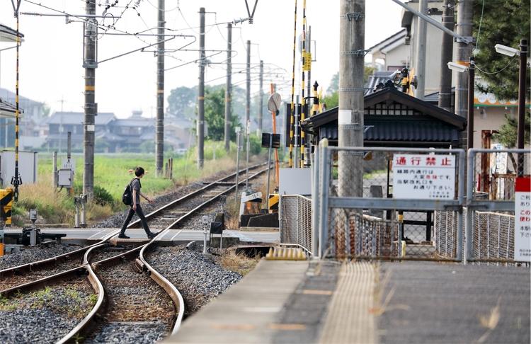 quiet railroad crossing - miki_abe | ello