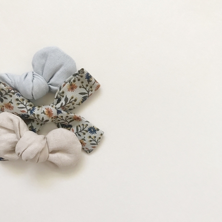 winter bow online  - inspo, handmadebows - mae_and_rae | ello