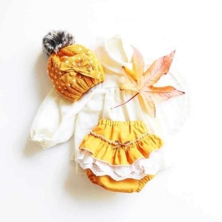 ♡ Mustard Mood Beautifully styl - winter_rose_ | ello