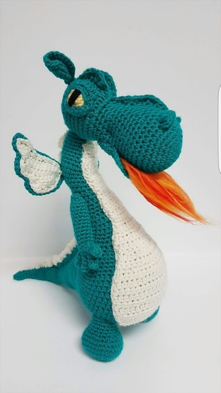 amazing fire breathing dragon!  - jessandyou | ello