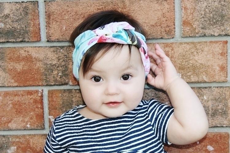 Elle! spunky babe loves topknot - schertzingcrew | ello