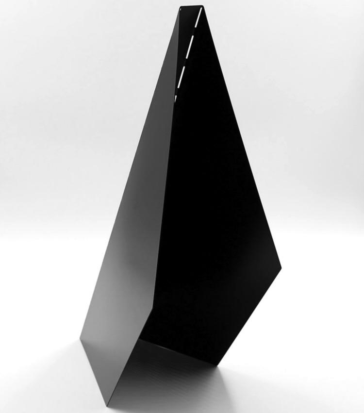 Design: Charbel Jreijiri Mena D - minimalist | ello