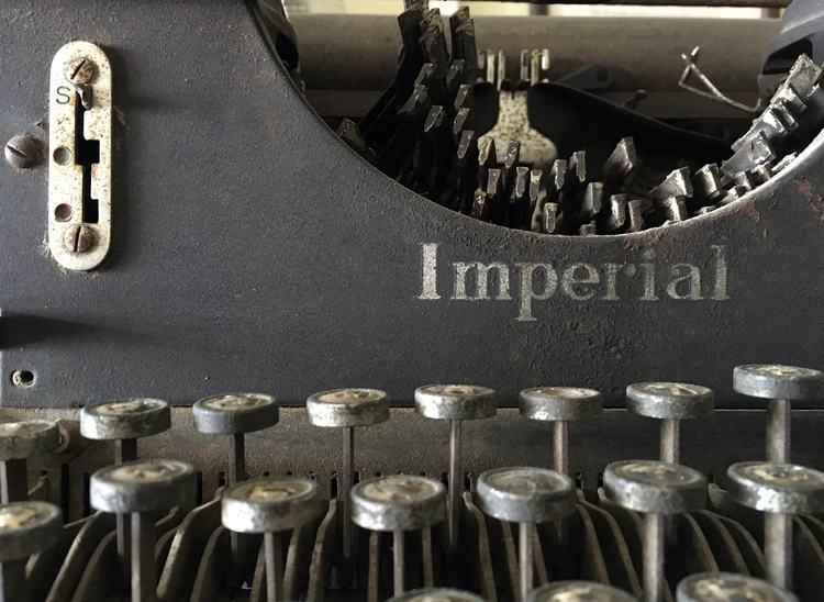 typewriter, vintage, distressed - phil_levene | ello