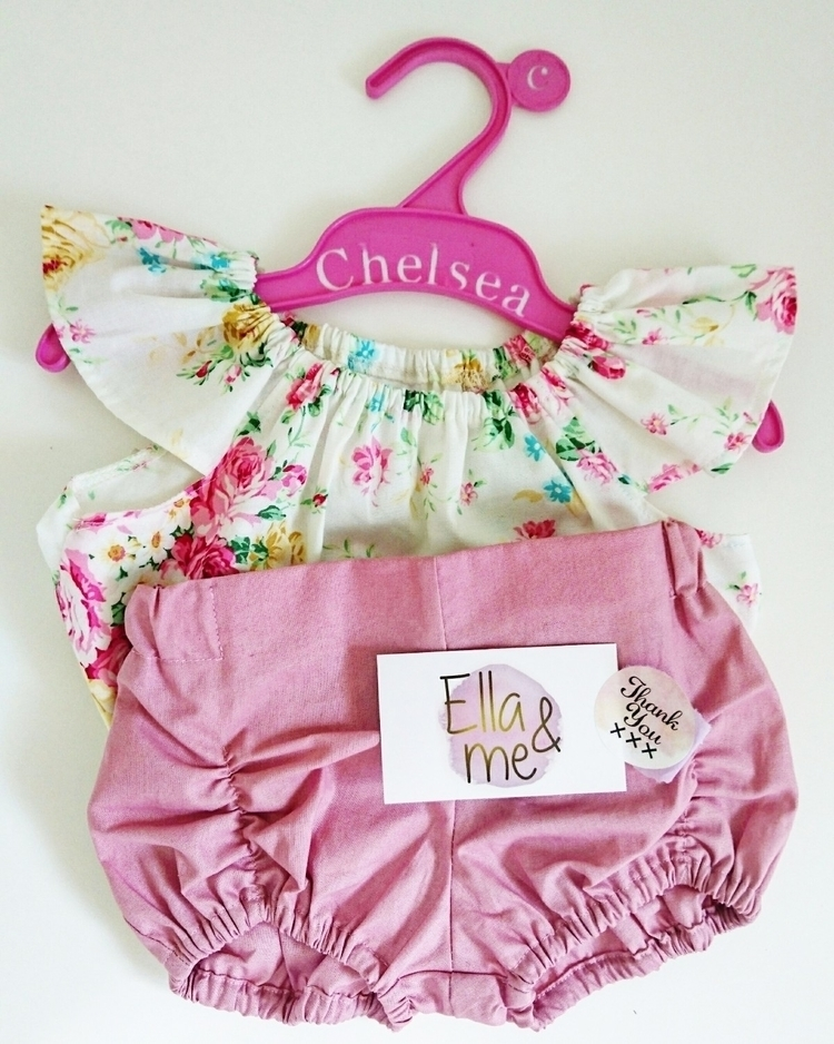Chelsea coathangers $7 - upcycled - fancy__that | ello