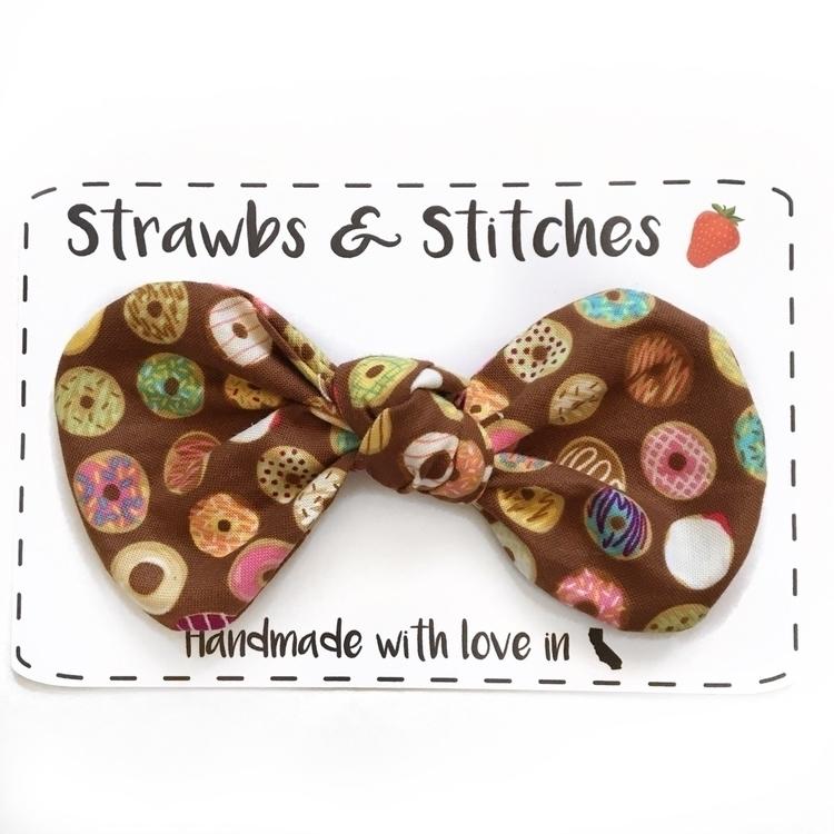world - Donuts, bows, topknots, hairbows - strawbsgirl | ello