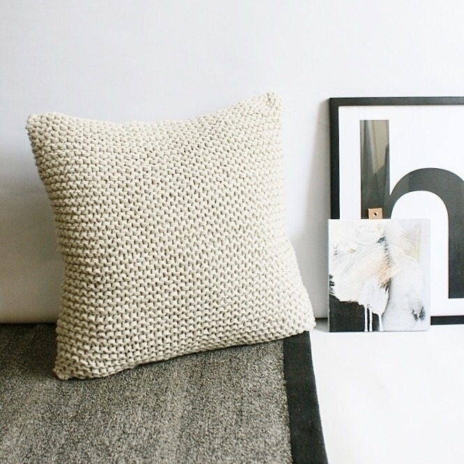 snuggle platinum knit cushion c - andinkco | ello