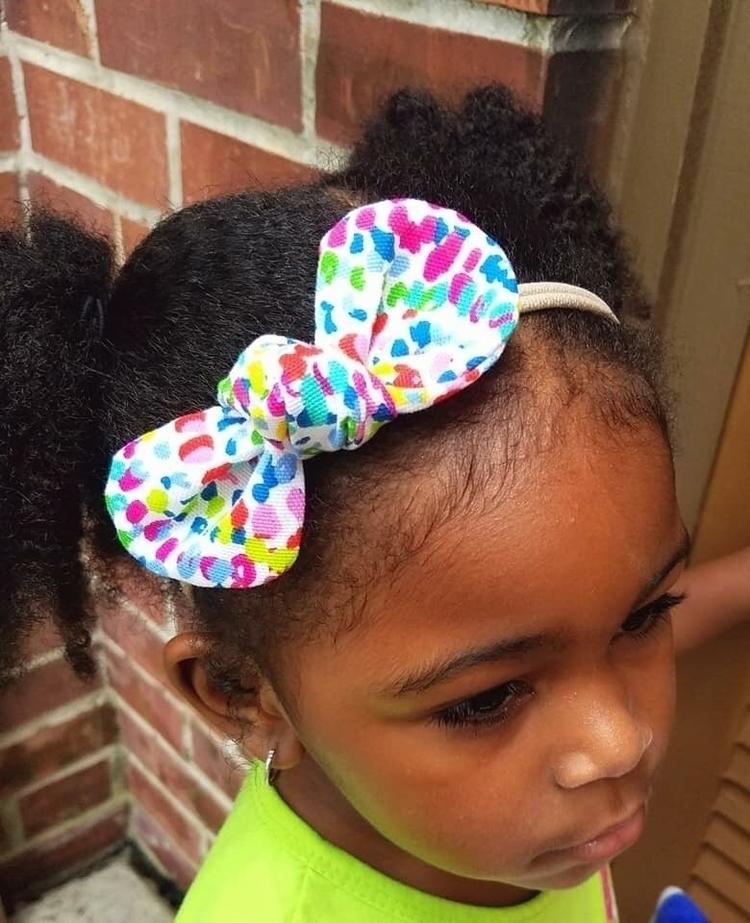 rocking Strawbs confetti bow Bu - strawbsgirl | ello