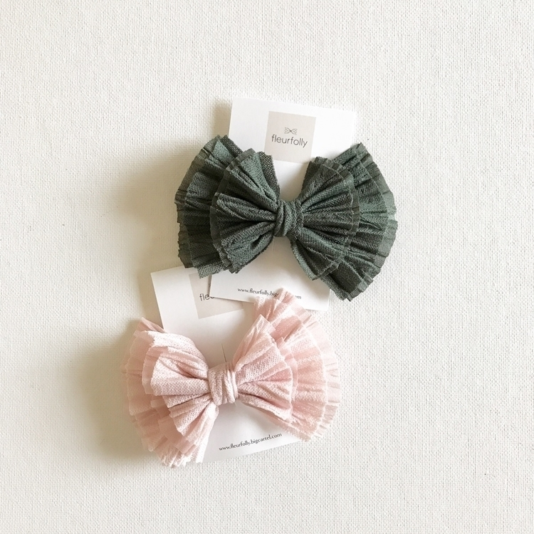 Running pink Luxe bow moment, p - fleurfolly | ello