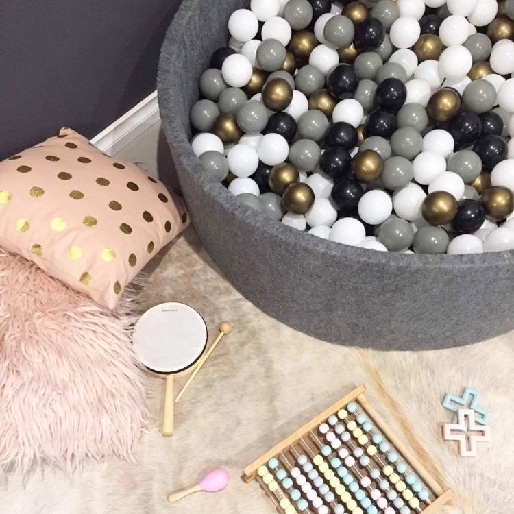 Onyx pit extra gold balls!!!!!  - milaandchloe | ello