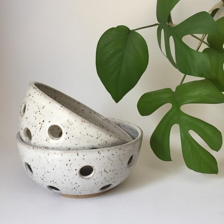 Small colanders - ceramicsbymeesha | ello