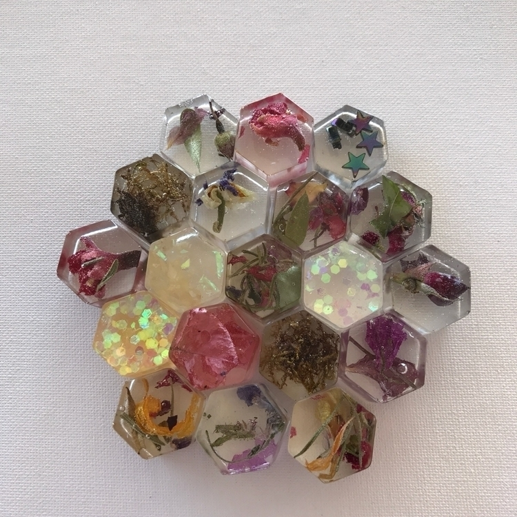 resin honeycombs shop! $5 - jessashleydesigns | ello