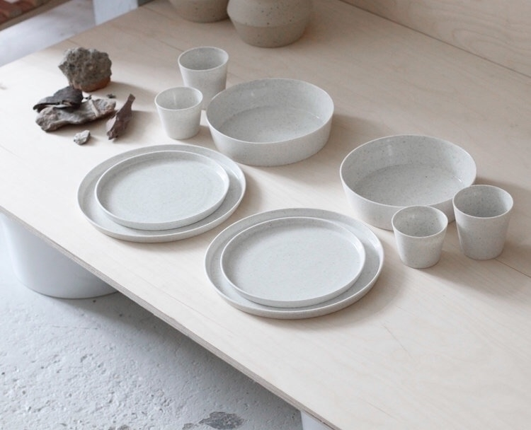 Peppered white porcelain set sa - elliottceramics | ello