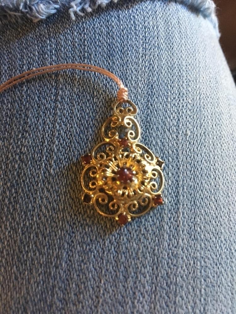 Love cool kind vintage pendants - gypsyxjewels   ello