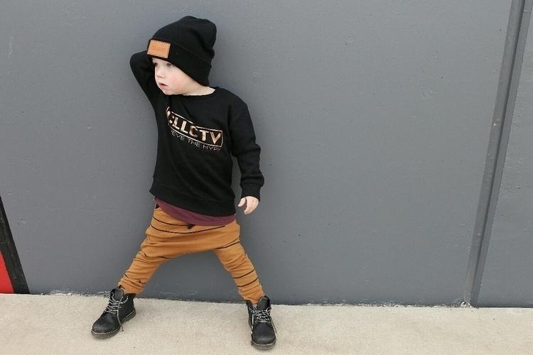 kid pose!! Beanie Crew Tee Pant - millerjae | ello
