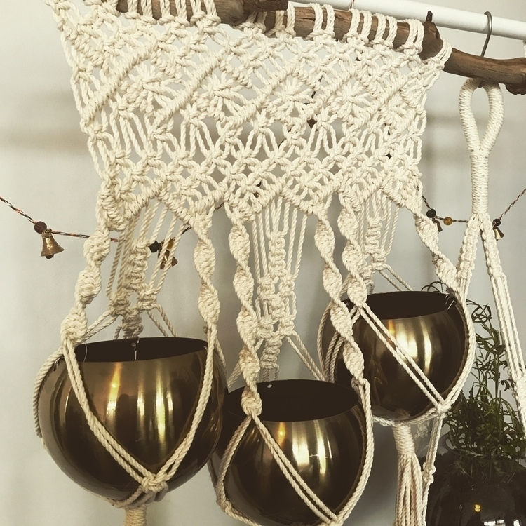plant hanger - she_gathers | ello