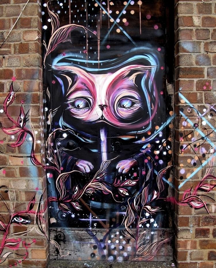 Hidden doorways, silent rooftop - femsorcell | ello