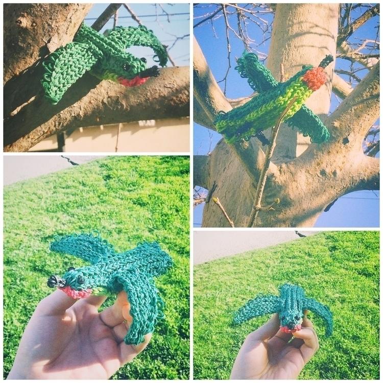 Lil Hummingbird, 600 rubber ban - loominjoe   ello