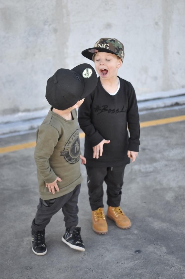 khaki Insignia black jumpers ho - thepresidentandtheboss | ello
