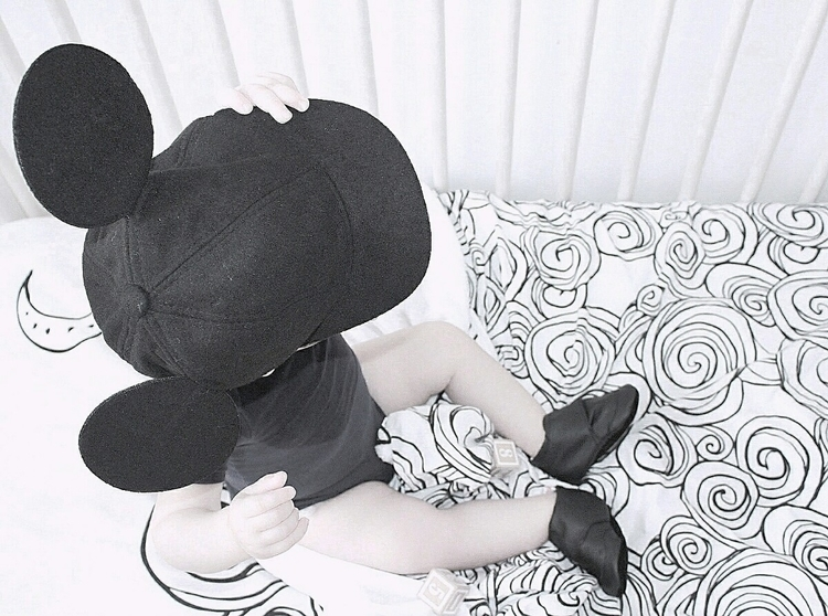 Monochrome Micky Love | brandre - outliving_the_rebels | ello