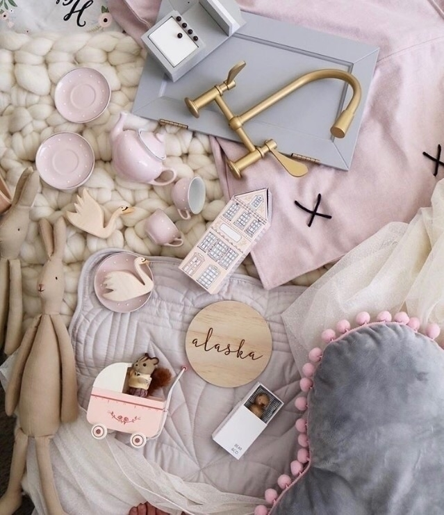 sweetest flat-lay Thursday morn - pipandsox | ello