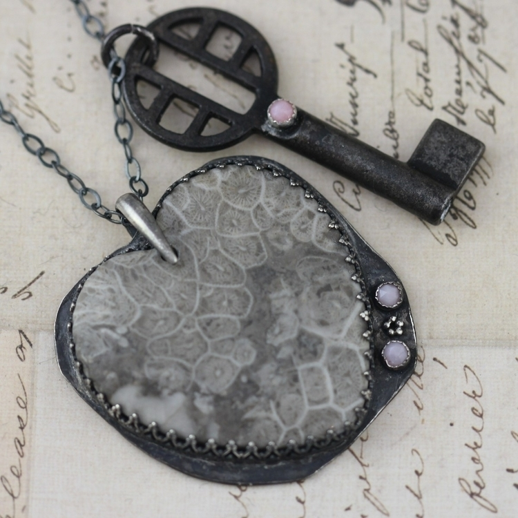 gorgeous grain stone heart acce - inspiredbyelizabeth | ello