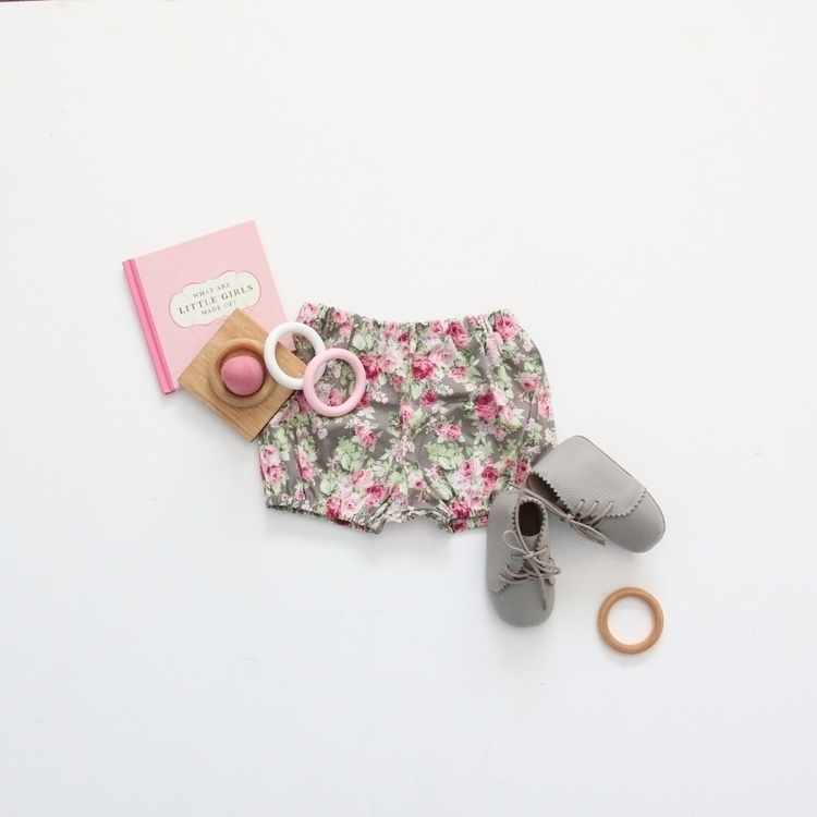 bit flatlay love sunny Friday B - the_jaded_monkey | ello