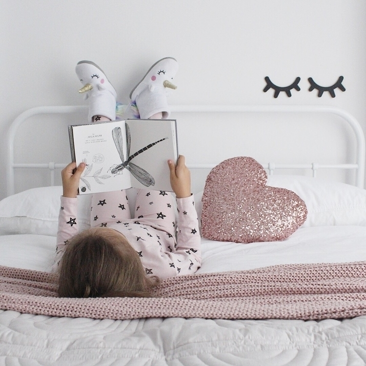PJs day  - interior, bed, bedroom - _misskara | ello