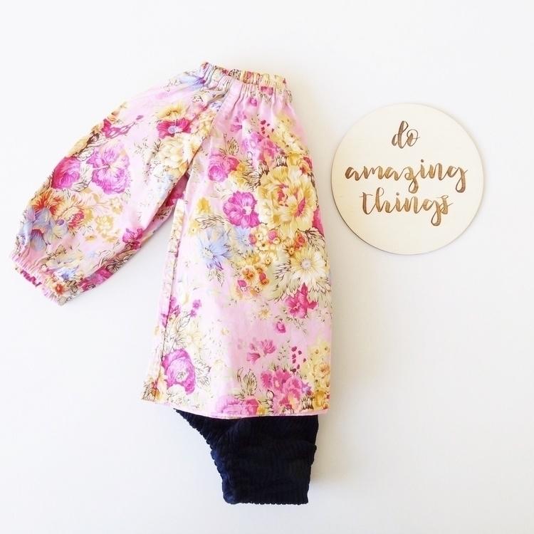 // floral long sleeve blouse na - _oliveandjem_ | ello