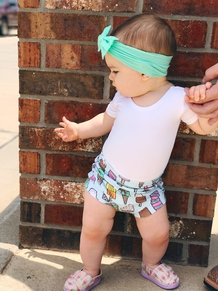 Chubby baby thighs Bummies - toddlerfashion - noisewithdirt | ello