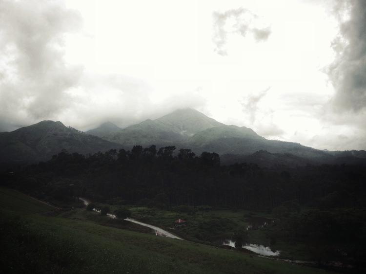 | Clouded clouds hug tight..:na - ishwarasandeshcm | ello