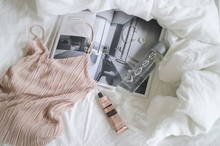 flatlay, aesopskincare, onmybed - willowstyleco | ello