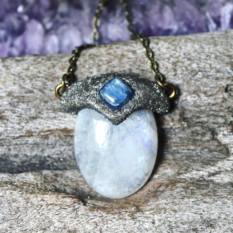 Moonstone kyanite .. soothing s - mermaidtearshawaii | ello