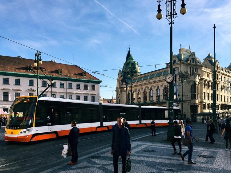 quintessential Prague golden ho - edward3   ello