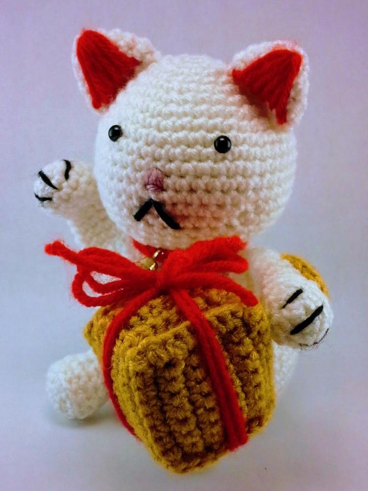 Happy posting Saturday! Yesterd - miniaturemonkeycreations   ello
