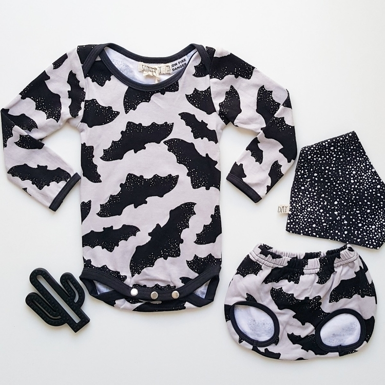 cutest batboy outfit 🖤🖤:raised - tlbclothing | ello