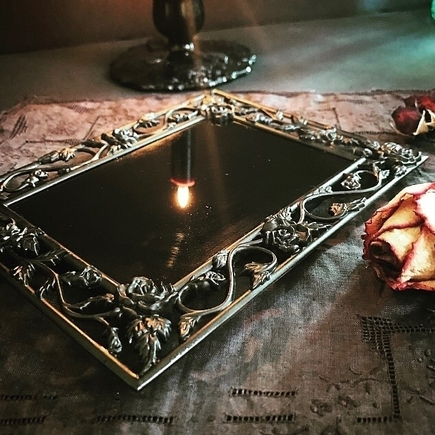 Black Scrying Mirror Climbing R - hearthandcrow | ello