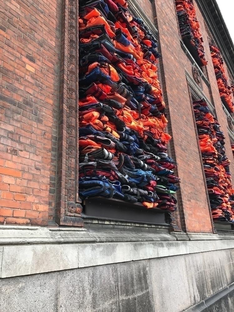 Installation 3500 life jackets  - barbarabrynklare | ello