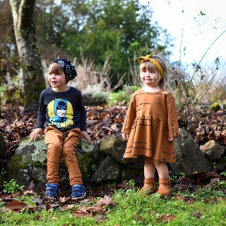 2 munchkins - ellochildhood, ellokids - adventureswithreeseandlacey | ello