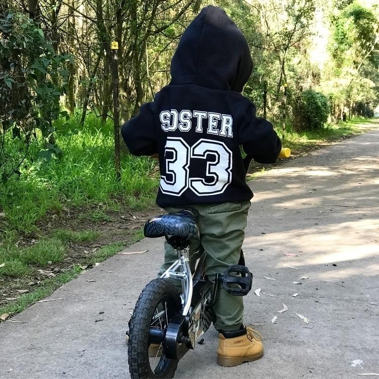 SOSTER 33 Zeke learnt ride bike - zeke_and_co   ello