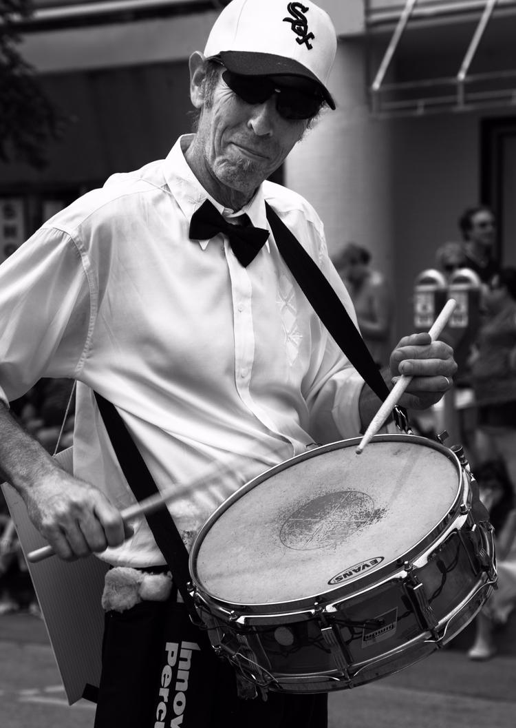 Hit rhythm stick. Drummer spott - junwin | ello