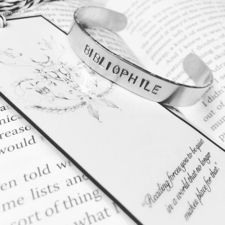 lover books - ellohandmade, elloblog - goati | ello