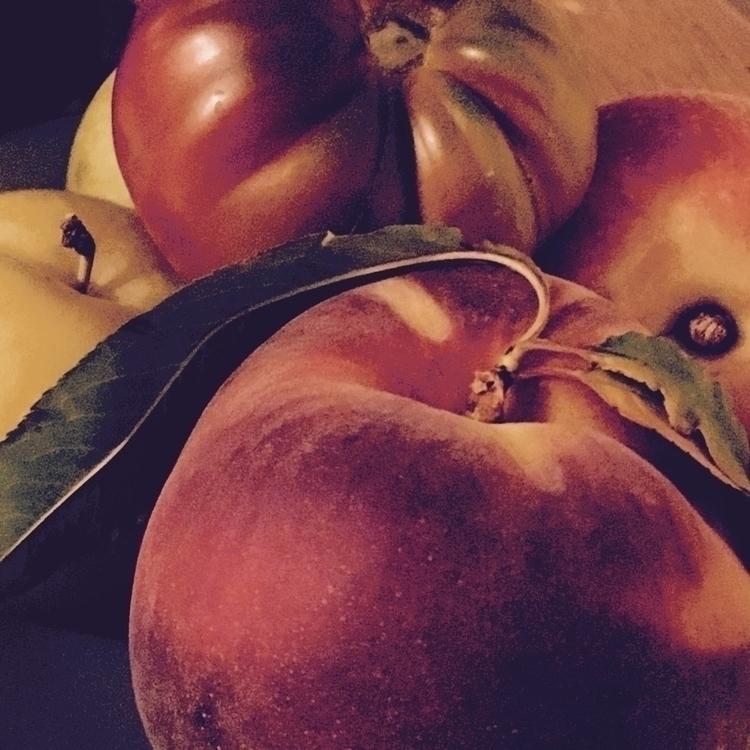 Summer fruit, money shot (apolo - katemoriarty | ello