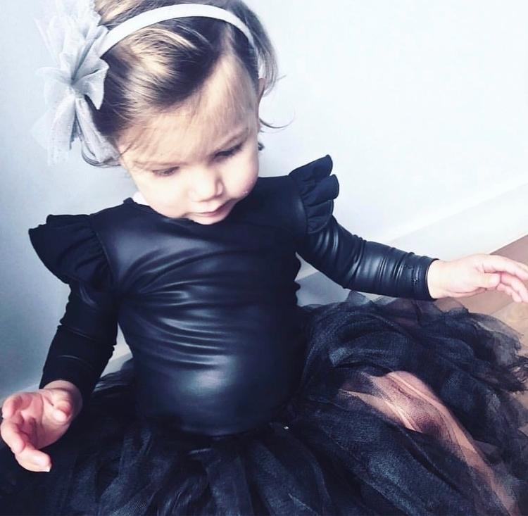 🖤 Gorgeous Elle styled beautifu - littleheartsco | ello