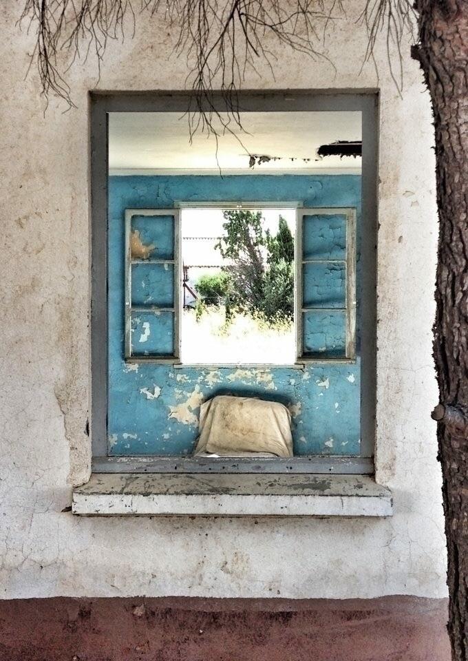 Brighter South France, abandone - great_boy_color | ello
