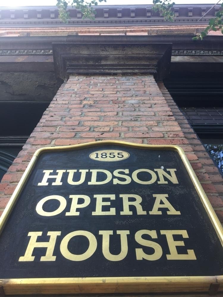 Hudson - thevanpirechronicles | ello