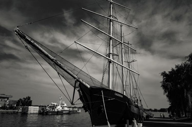 Tall ship, Harbourfront, Toront - seanrasmussen | ello
