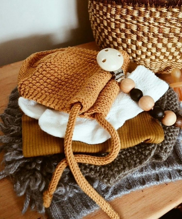 hand knitted blyton bonnet. nat - abbotsfordknits | ello