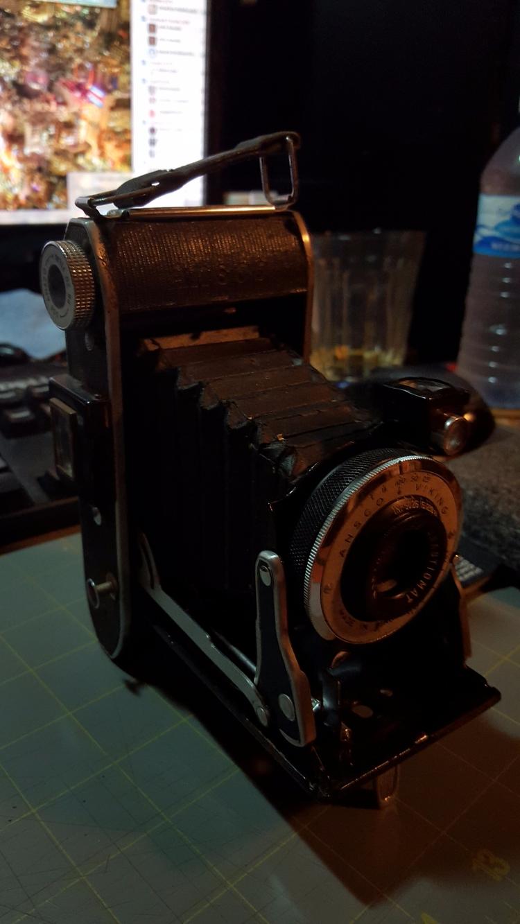 camera - oldendaze | ello