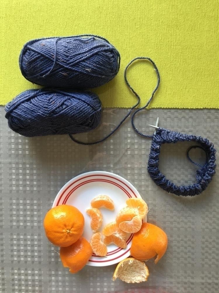 Monday afternoon snacks knittin - siennaknits   ello